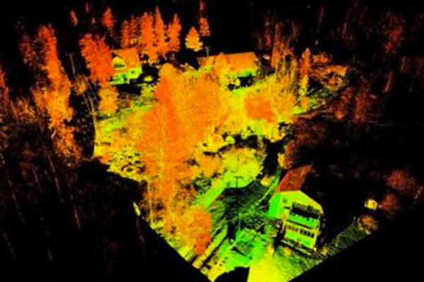 Laserkeilaus rakennusten ja puuston kartoittamiseksi arkkitehtisuunnittelua varten